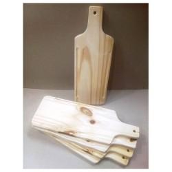Tabla de madera. Ideal para picar/picadas. Realizados en Pino de 2cm. Miden: 15x40 cm Vienen en crudo.